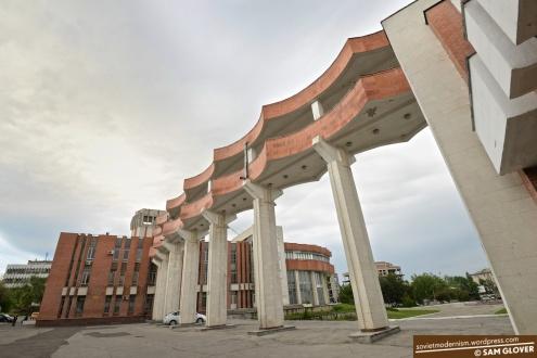 Culture-Palace-of-Railway-Workers-Chisinau-Moldova-1